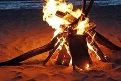 Create Listing: DELUXE BEACH FIRE